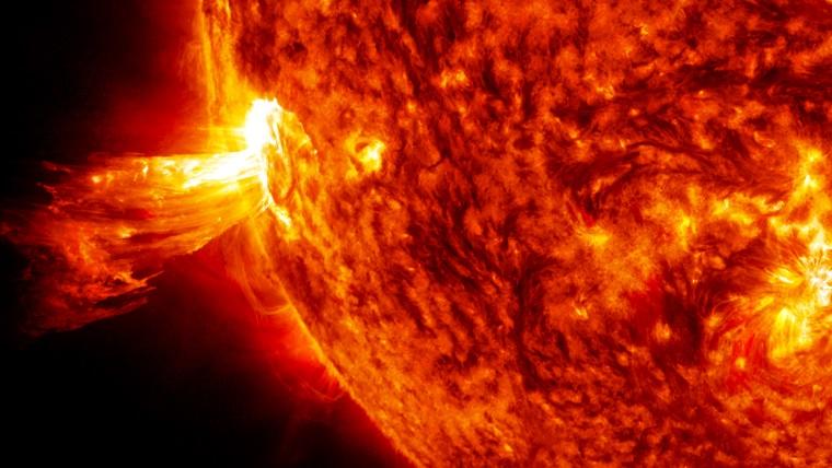 Güneş'te devasa patlama